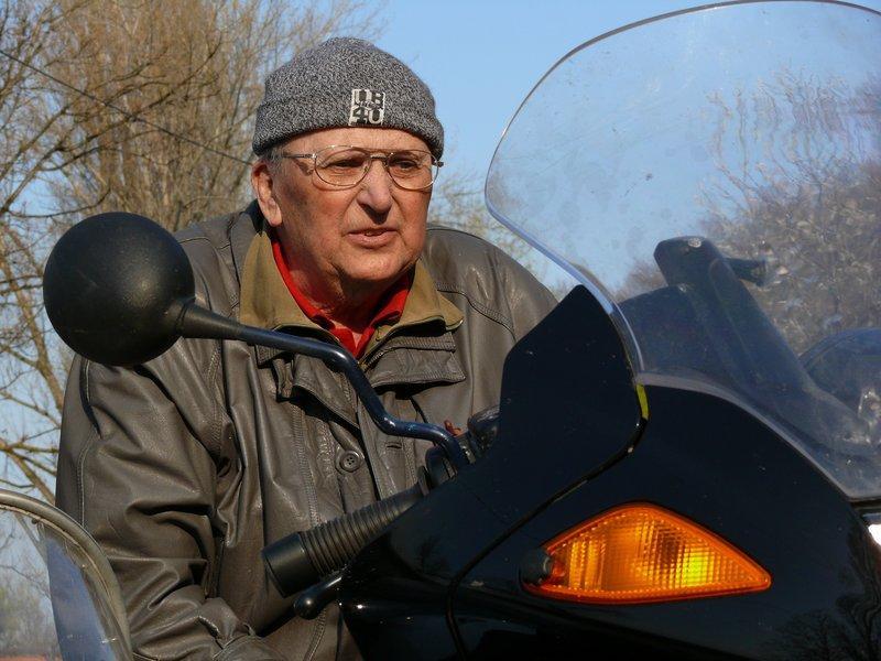 A tulajdonos, Dömök Ottó gyerekkora óta rajong az oldalkocsis motorokért