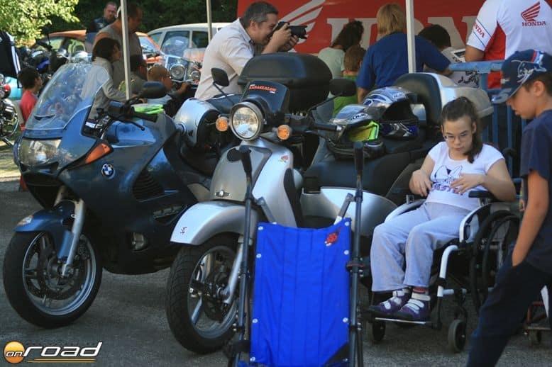 Nem csak a gyerekek, de mi motorosok is rengeteg pozitív energiát kapunk minden egyes ilyen találkozástól