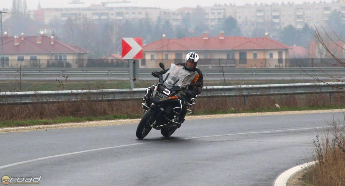Elképesztően jó motorozni vele