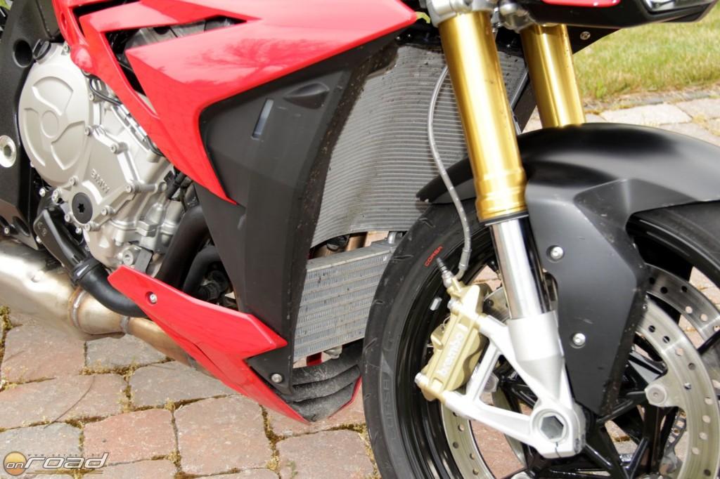 Elektronikusan állítható, automatikusan alkalmazkodó futómű és verseny-ABS-szel rendelkező fékrendszer
