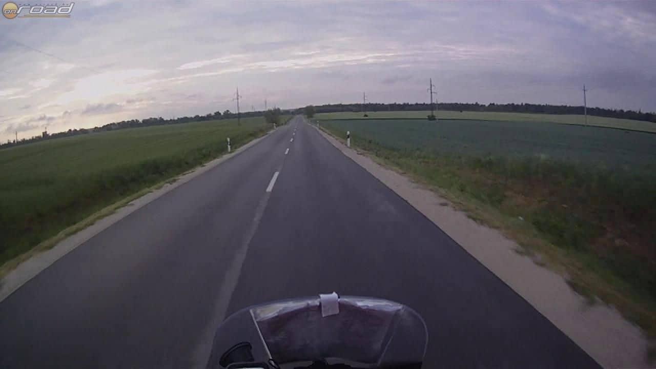 Hajnalban úton Fejér megye felé