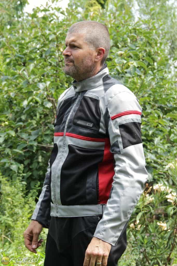 A Spyke Mystraal Air nyári túradzseki önmagában nagyon könnyű viselet
