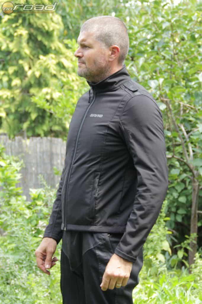 Az Evolution Softshell belső dzseki önálló viseletként is tökéletes, de kabátbélésnek is