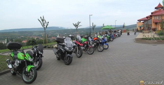 Ez volt az első ilyen rendezvénye a Kawasakinak - ehhez képest szép számú motor jött össze