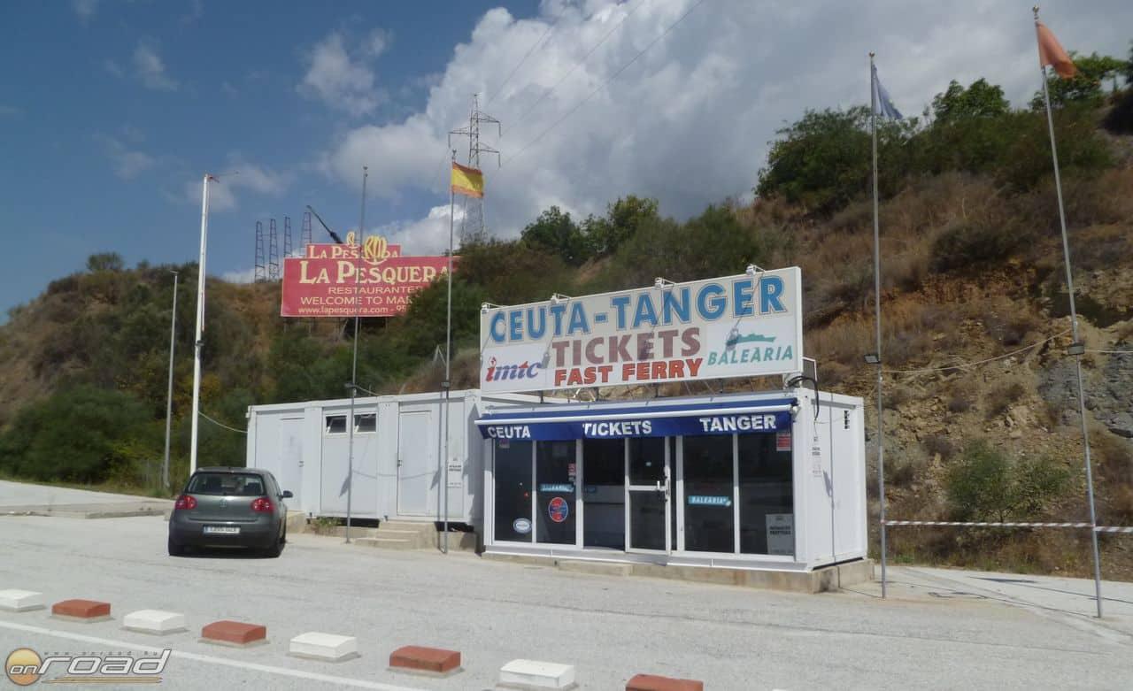 Közeledve Gibraltárhoz úton-útfélen jegyirodákba botlunk