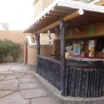 Marokkó túra onroad 116 Étkező és bár szabad ég alatt