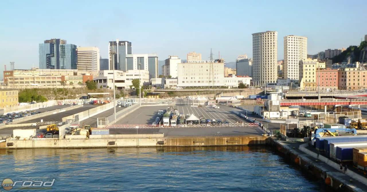 Azonnal koppanunk Genova kikötői betonjának