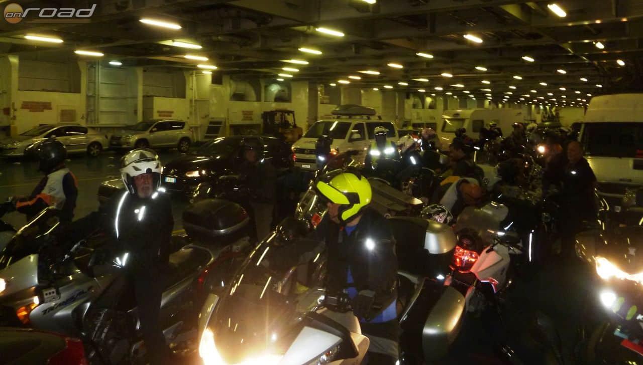 Barcelona és Genova között sok motoros vette igénybe a kompot