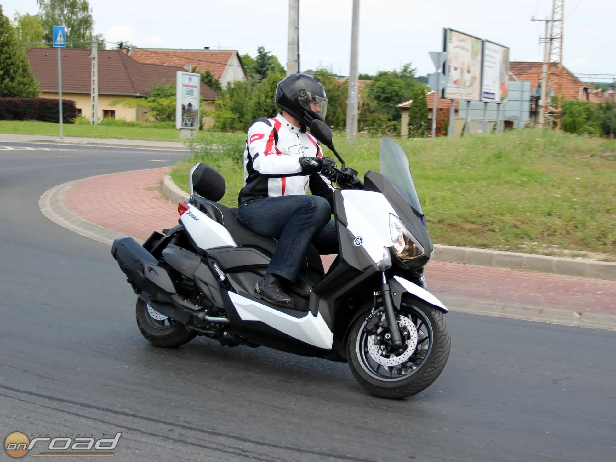 A Yamaha X-Max 400 érte el a második legnagyobb nézettséget videócsatornánkon