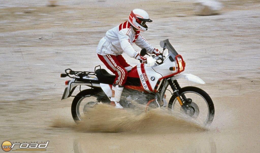 Az R100GS az első modellfrissítés eredménye - a Paris Dakar változat pedig tisztelgés a győzelmek előtt