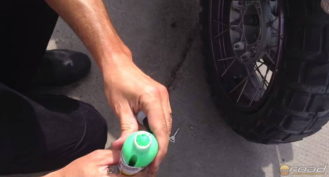 A Slime egy sűrű, szemcsés anyagot tartalmaz