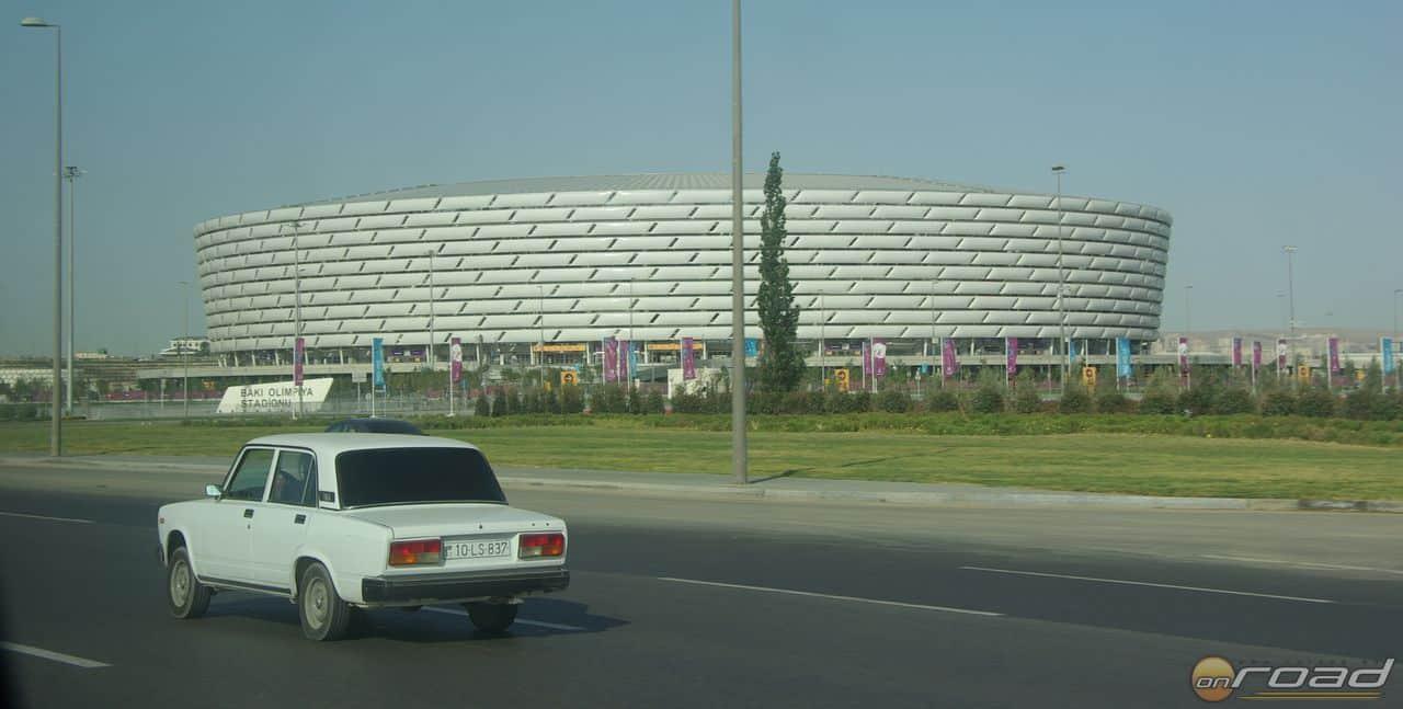 Múlt és jövő: Lada és sportcsarnok