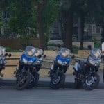 Útvonalbiztosítás Baku túra Onroad 20150613_motorjaink és a parkolóőr