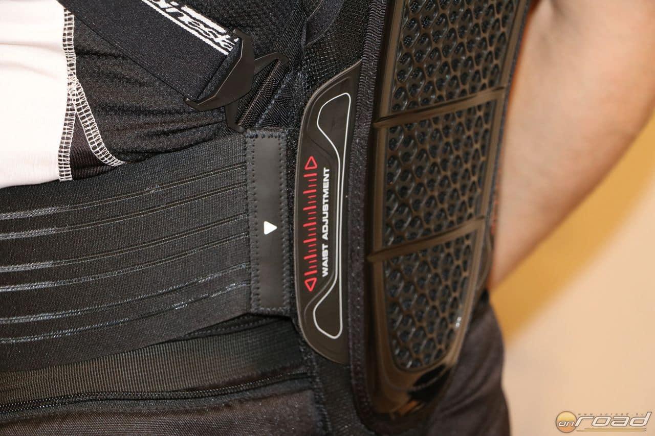 Az Alpinestars gerincvédőin a derékpánt becsatlakozási magassága is állítható