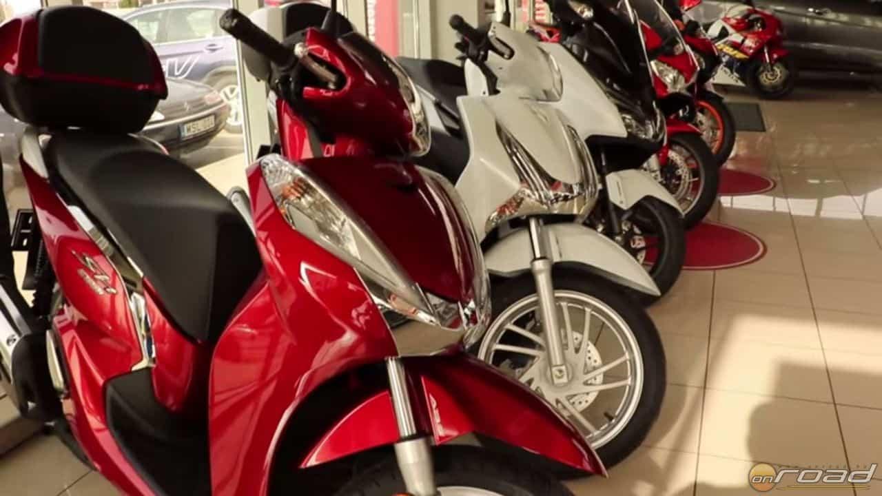 Robogók széles palettájából válogathatunk a Honda Szallerbeck szalonjában