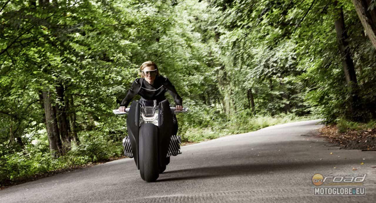 A motor képes egyensúlyban tartani saját magát - akár álló helyzetben is