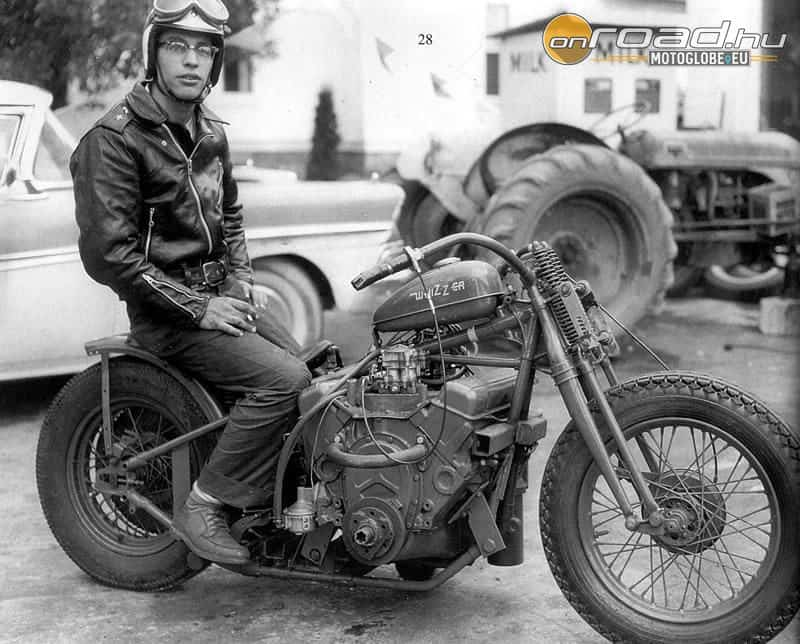 E.J. pályafutásának elejét a V8-as autóblokkal épített motorok jelentették