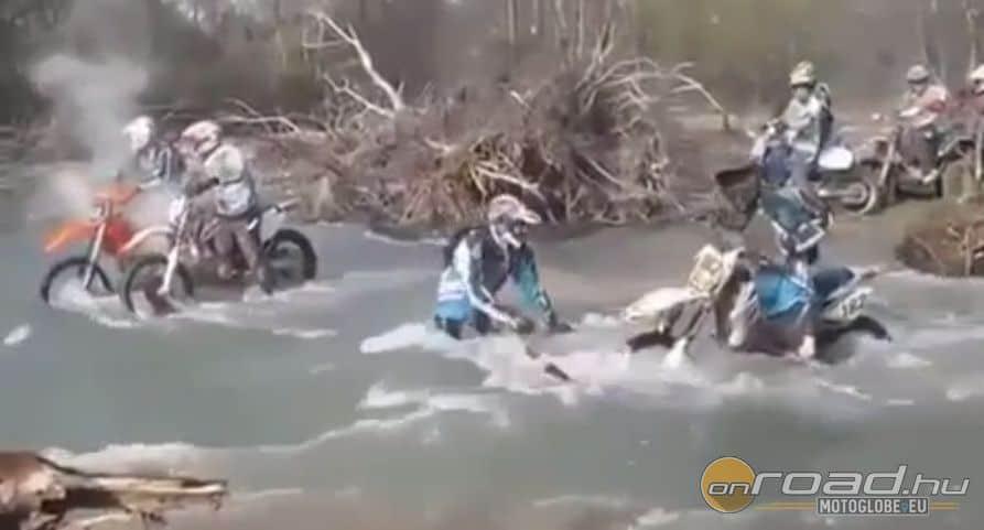 A folyó nem viccel, hanem büntet! Van itt motor mindenhol. Olyan is, ami ki sem látszik a víz alól