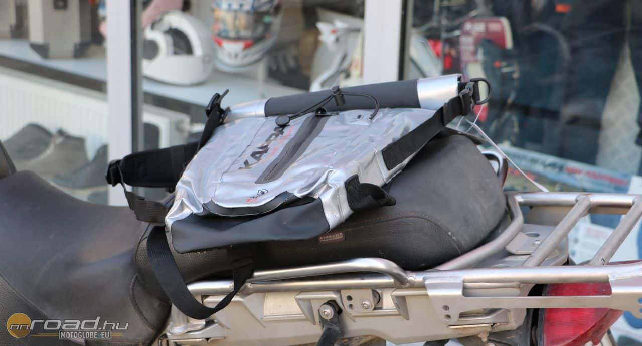 A DryPack 13 egy sima hátizsák