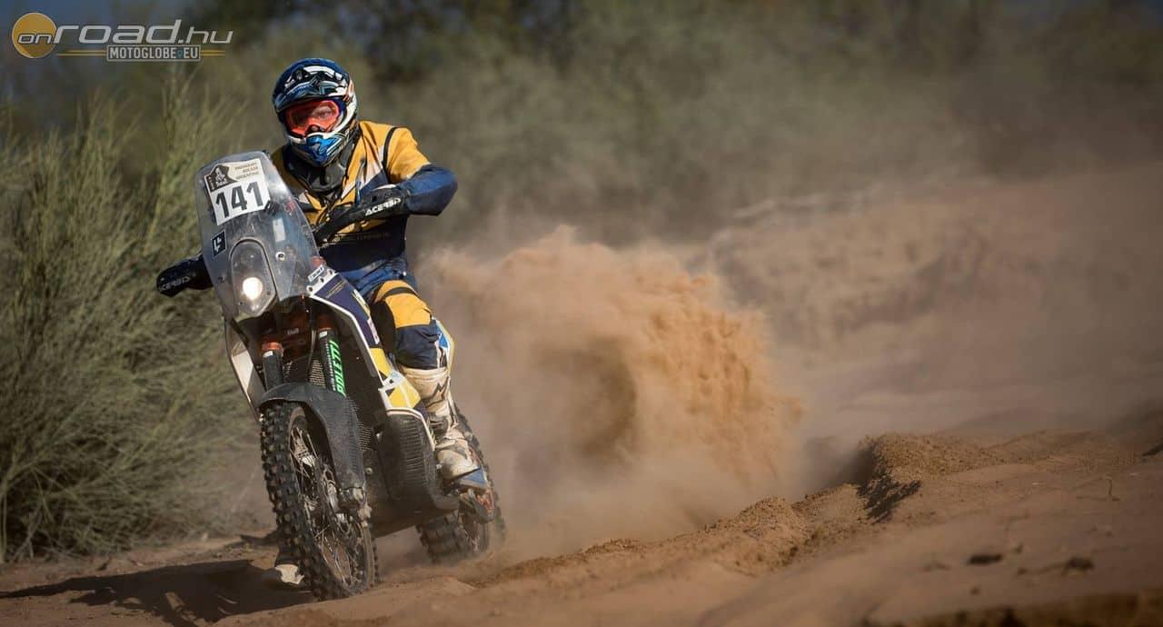 Dési János piros-fehér-zöld színek alatt egyedül volt képes végigmotorozni minden idők legkeményebb Dakar Rally-ját