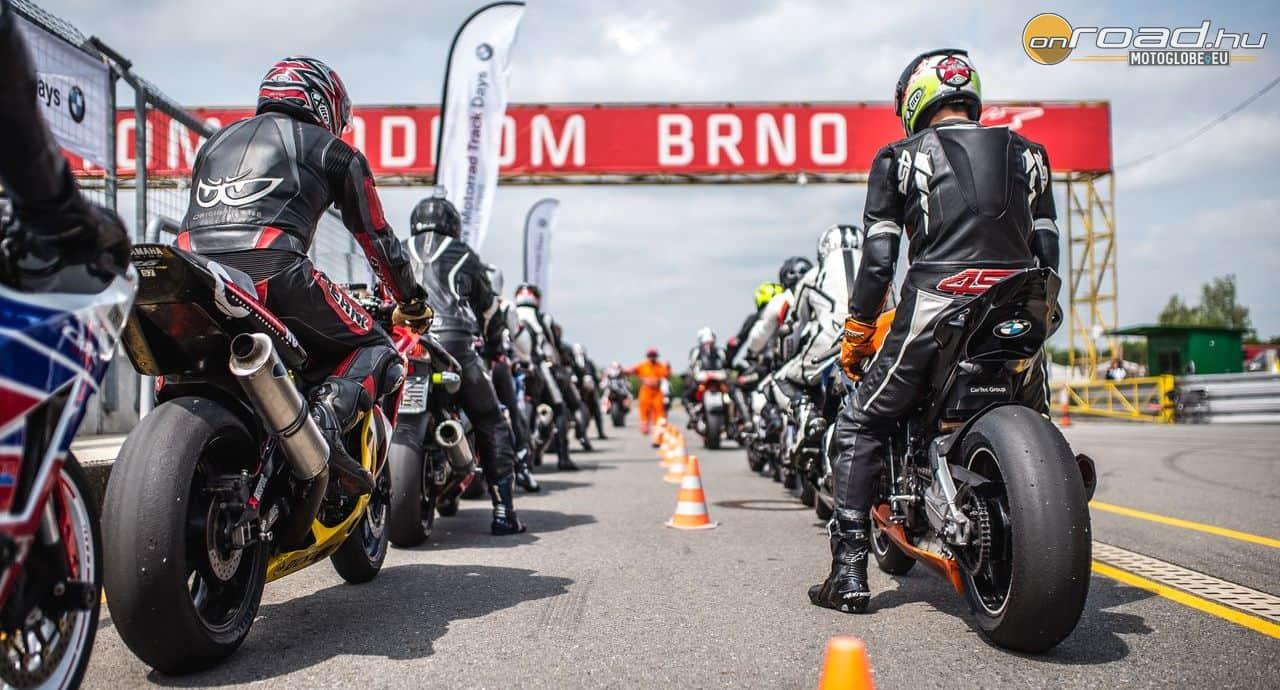 A rendezvényen természetesen bármilyen márkájú és típusú pályamotorral részt vehetsz - de majdnem biztos, hogy fogsz motorozni az új S1000RR-rel is
