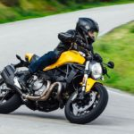 2018-Ducati-Monster-821_onroad_08
