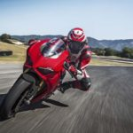 2018-Ducati-Panigale-V4-onroad-021