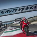 2018-Ducati-Panigale-V4-onroad-022