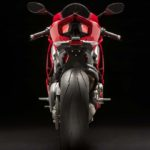 2018-Ducati-Panigale-V4-onroad-040