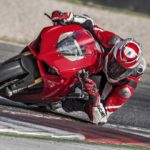 2018-Ducati-Panigale-V4-onroad-07