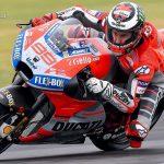 MotoGP-Suzuki-Lorenzo-Onroad-1