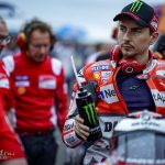 MotoGP-Suzuki-Lorenzo-Onroad-2