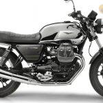Moto-Guzzi-V7-Carbon-Shine-Onroad-1