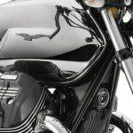 Moto-Guzzi-V7-Carbon-Shine-Onroad-7