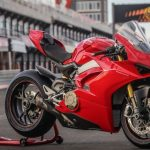 Olcsobb-V4-Ducati-Onroad-1