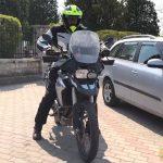 motorozasi-technikak-sorozat-16-tolatas-emelkedon-onroad-2